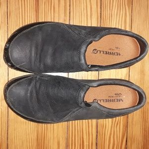 lightly worn Merrell slip-on casual shoes